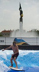 """09.06.2016, Schwarzenbergplatz, Wien, AUT, Eröffnung der 3CityWave """"Wellenreiten mitten in Wien"""". im Bild Surfer // during opening of the """"3CityWave - Surfing in the middle of vienna"""" in Vienna, Austria on 2016/06/09. EXPA Pictures © 2016, PhotoCredit: EXPA/ Michael Gruber"""