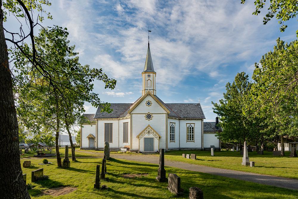 Sandnessjøen kirke eller Stamnes kirke i Sandnessjøen er en korskirke i tre fra 1882 i Sandnessjøen i Alstahaug kommune, Nordland fylke. Den ligger godt synlig på en knaus og kalles også for «Helgelandsbruden».