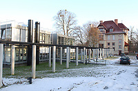 15 JAN 2002, POTSDAM/GERMANY:<br /> Truman-Haus, Gebaeude der Friedrich-Naumann-Stiftung, Karl-Marx-Strasse<br /> IMAGE: 20020115-02-001<br /> KEYWORDS: Gebäude, Haus