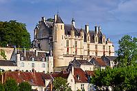 France, Indre-et-Loire (37), Loches, la cité médiévale, le Logis Royal et le chateau // France, Indre-et-Loire (37), Loches, Royal castle and dwelling