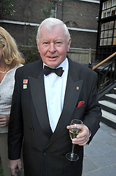 SiR DONALD GOSLING at a reception for the Castle of Mey held at the Goring Hotel, London on 19th May 2009.