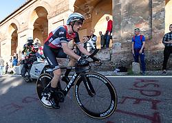 19.05.2018, San Luca, ITA, Giro d Italia 2019, 1. Etappe, Bologna nach San Luca (8km), im Bild Michael Gogl (AUT, Trek - Segafredo) // Michael Gogl of Austria (Trek - Segafredo) during stage 1 of the 102nd Giro d'Italia cycling race from Bologna to San Luca (8km). San Luca, Italy on 2018/05/19. EXPA Pictures © 2019, PhotoCredit: EXPA/ Reinhard Eisenbauer