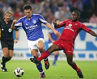 v.l. Zlatan Bajramovic Schalke, Herve Nzelo Lembi<br /> Bundesliga FC Schalke 04 - 1. FC Kaiserslautern<br /> Norway only