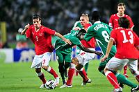 Janick Kamber und Pajtim Kasami (SUI) gegen Edafe Egbedi (NGA) © Safolabi/EQ Images