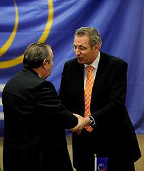 30-01-2010 VOLLEYBAL: CEV MEETING: DEN HAAG<br /> Vergadering van de CEV board in het Mercure hotel / Andre Meyer en Jaap Boom<br /> ©2010-WWW.FOTOHOOGENDOORN.NL
