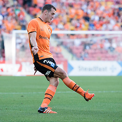 BRISBANE, AUSTRALIA - OCTOBER 30: Luke DeVere of the Brisbane Roar passes the ball during the round 4 Hyundai A-League match between the Brisbane Roar and Perth Glory at Suncorp Stadium on October 30, 2016 in Brisbane, Australia. (Photo by Patrick Kearney/Brisbane Roar)