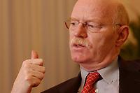 15 JAN 2003, BERLIN/GERMANY:<br /> Peter Struck, SPD, Bundesverteidigungsminister, waehrend einem Interview, in seinem Buero, Bundesministerium der Verteidigung<br /> Peter Struck, Federal Minister of Defense, during an interview, in his office<br /> IMAGE: 20030115-04-041