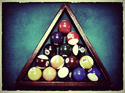 Bolas na mesa de bilhar. FOTO: Jefferson Bernardes/Preview.com