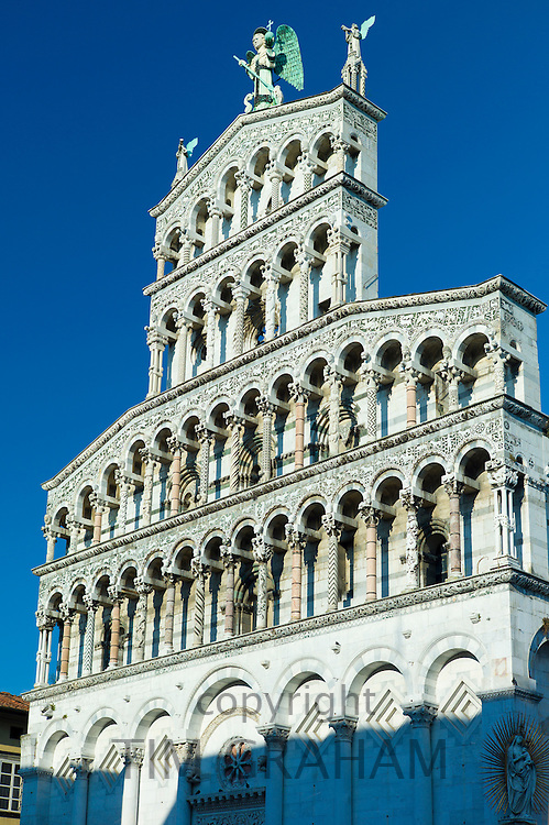 Catholic church of San Michele in Foro with Romanesque Rennaisance facade in Piazza San Michele, Lucca, Italy RESERVED USE - NOT FOR DOWNLOAD - FOR USE CONTACT TIM GRAHAM