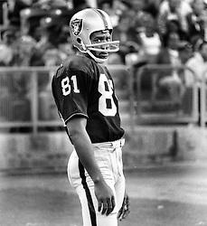 Oakland Raider wide receiver Warren Wells..(1972 photo/Ron Riesterer)