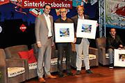 Presentatie van de Douwe Egberts Sinterklaasboeken in de Openbare Bibliotheek Amsterdam. <br /> <br /> Op de foto:  Ivo Niehe en illustrator Dan Kerleroux, samen met D.E. verkoopdirecteur Michel Acda