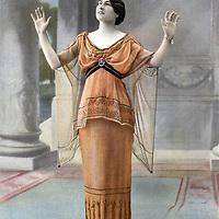 "Jeanne d'Orliac (1883-1974) femme de lettres francaise, photo extraite du journal ""Le Theatre"" Decembre 1913  --- Jeanne d'Orliac (1883-1974) french woman of letters, photo from french paper ""Le Theatre"" december 1913<br /> <br /> Copyright Rue Des Archives/Writer Pictures<br /> <br /> NO FRANCE, NO AGENCY SALES"