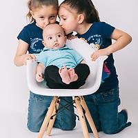Adriana - Gemelas y Arturo 3 meses