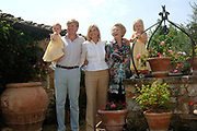 Photo session at the holiday house Roca Dei Draconie in the Italian Tavernelle. The Dutch Royal family is on summer holiday  close to florence.<br /> <br /> <br /> <br /> Fotosessie bij het vakantiehuis Roca Dei Draconie in het Italiaanse Tavernelle. Het gezin is op zomervakantie in het vakantieverblijf van de koninklijke familie nabij Florence. <br /> <br /> <br /> <br /> On the Photo / Op de foto:<br /> <br /> <br /> <br /> Queen Beatrix, prince Willem-Alexander, princess Máxima and their daughter princess Catharina-Amalia and princess Alexia<br /> <br /> <br /> <br /> <br /> <br /> Koningin Beatrix, prins Willem-Alexander, prinses Máxima en hun dochters prinses Catharina-Amalia en prinses Alexia