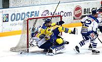 Ishockey , Get-Ligaen , semifinale 1 av 7<br /> 20.03.15<br /> Hamar OL- Amfi<br /> Storhamar   v  Sparta 9-3<br /> Foto : Dagfinn Limoseth , Digitalsport<br /> Anders Johansson , Sparta og Jimmy Andersson, Storhamar