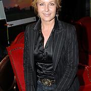 """NLD/Hilversum/20061213 - Persconferentie Avro's """"  Wie is de Mol """" 2006, deelnemer, actrice Inge Ipenburg"""