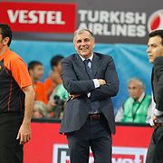 Panathinaikos's coach Zeljko Obradovic (C) during their Euroleague Final Four semifinal Game 1 basketball match CSKA Moscow's between Panathinaikos at the Sinan Erdem Arena in Istanbul at Turkey on Friday, May, 11, 2012. Photo by TURKPIX