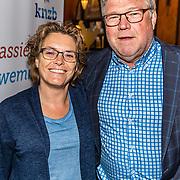 NLD/Amsterdam/20170410 - Premiere 0,03 seconde, Nederlandse Zwembond, Algemeen directeur Jan Kossen en partner