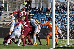 Jonas Henriksen (FC Helsingør) når højest og header bolden i mål til 1-0 under kampen i 1. Division mellem FC Helsingør og Skive IK den 18. oktober 2020 på Helsingør Stadion (Foto: Claus Birch).