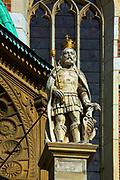 Rzeźba na kaplicy Zygmuntowskiej katedry wawelskiej w Krakowie