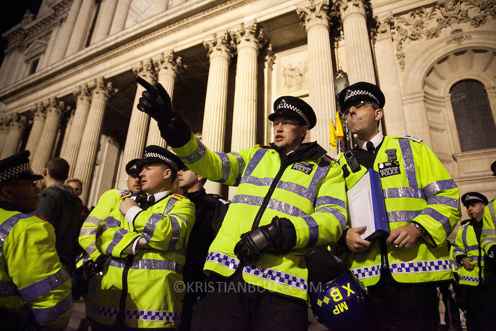 The top brass of the MET is being briefed on the situation to lay a strategy for further actions. The London Stock Exchange was attempted occypied in solidarity with Occupy Wall in Street in New York and in protest againts the economic climate, blamed by many on the banks. Police managed to keep people away fro the Patornoster Sqaure and the Stcok Exchange and thousands of protestors stayid in St. Paul's Square, outside St Paul's Cathedral. Many camped getting ready to spend the night in the square.