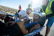 Dave Collins in de Arion 1. In Battle Mountain (Nevada) wordt ieder jaar de World Human Powered Speed Challenge gehouden. Tijdens deze wedstrijd wordt geprobeerd zo hard mogelijk te fietsen op pure menskracht. Ze halen snelheden tot 133 km/h. De deelnemers bestaan zowel uit teams van universiteiten als uit hobbyisten. Met de gestroomlijnde fietsen willen ze laten zien wat mogelijk is met menskracht. De speciale ligfietsen kunnen gezien worden als de Formule 1 van het fietsen. De kennis die wordt opgedaan wordt ook gebruikt om duurzaam vervoer verder te ontwikkelen.<br /> <br /> In Battle Mountain (Nevada) each year the World Human Powered Speed ​​Challenge is held. During this race they try to ride on pure manpower as hard as possible. Speeds up to 133 km/h are reached. The participants consist of both teams from universities and from hobbyists. With the sleek bikes they want to show what is possible with human power. The special recumbent bicycles can be seen as the Formula 1 of the bicycle. The knowledge gained is also used to develop sustainable transport.