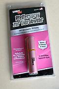 Duitsland, Emmerich, 16-1-2016In Duitsland wordt veel pepperspray en traangas verkocht. Ook aan mensen die vanuit Nederland hier naar toe komen.Dit busje bevat pepperspray.Foto: Flip Franssen