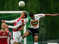 Fotball , mai 2007 , Adeccoligaen , Hønefoss - Bryne 1-4<br /> <br /> vidar Nisja , Bryne og Kamal Saliti , Hønefoss