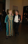 Maggi Hambling and Tory Laurence,, Belle Epoche gala fundraising dinner. National Gallery. 16 March 2006. ONE TIME USE ONLY - DO NOT ARCHIVE  © Copyright Photograph by Dafydd Jones 66 Stockwell Park Rd. London SW9 0DA Tel 020 7733 0108 www.dafjones.com