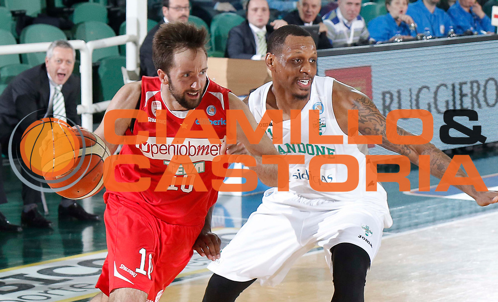 Avellino 26/03/2016 - Basket Lega A Campionato Italiano Pallacanestro 2015-16<br /> Sidigas Avellino - Openjobmetis Varese<br /> foto Ciamillo