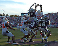 Kansas State safety Kyle Williams (9) knocks the pass away from Oklahoma wide receiver Adarius Bowman (12) on the last play of the game at Bill Snyder Family Stadium in Manhattan, Kansas, October 7, 2006.  The Wildcats beat the Cowboys 31-27.<br />