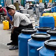 Mongolia. Ulaanbaatar. Narantuul market, in winter  Ulan Baatar -    / le grand Marche de Narantuul dans le grand froid en hiver  Oulan Bator - Mongolie