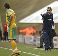 Photo: Aidan Ellis.<br /> Barnsley v Norwich City. Coca Cola Championship. 03/03/2007.<br /> Norwich manager gets a message across to Darren Huckerby