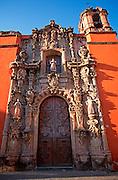 MEXICO, GUANAJUATO San Diego Alcala church, Plaza Jardin