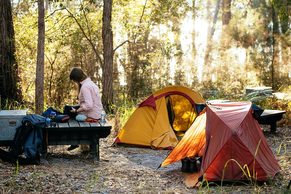 Lake Boomanjin walkers camp on the Fraser Island Great Walk.
