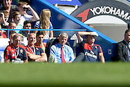 Arsene Wenger, the Arsenal manager looking dejected as he watches from  the dugout. Barclays Premier League match, Chelsea v Arsenal at Stamford Bridge in London on Saturday 19th September 2015.<br /> pic by John Patrick Fletcher, Andrew Orchard sports photography.