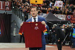 November 27, 2018 - Rome, Italy - Former captain Francesco Totti poses during the ceremony after Roma entering him into the club's Hall of Fame at Olimpico Stadium in Rome, Italy on November 27, 2018. (Credit Image: © Federica Roselli/NurPhoto via ZUMA Press)