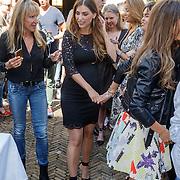 NLD/Amsterdam/20150604 - Boekpresentatie Xelly Cabau van Kasbergen, zwangere Yolanthe Cabau van Kasbergen