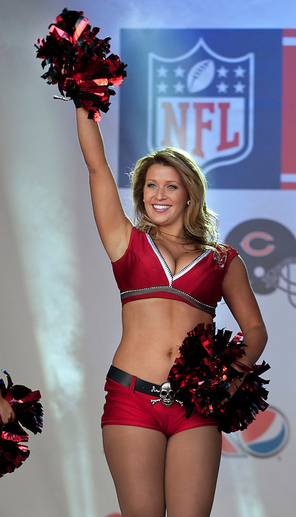 © licensed to London News Pictures. LONDON, UK  22/10/11. Tampa Bay cheerleaders performing at NFL Fan Rally in Trafalgar Square, London. Photo credit: TOLGA AKMEN/LNP