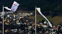 Hopp FIS World Cup<br /> 02.1.2010<br /> Innsbruck Østerrike<br /> Foto: Gepa/Digitalsport<br /> NORWAY ONLY<br /> <br /> FIS Weltcup, Vierschanzen-Tournee, Training und Qualifikation. Bild zeigt Fahnen.