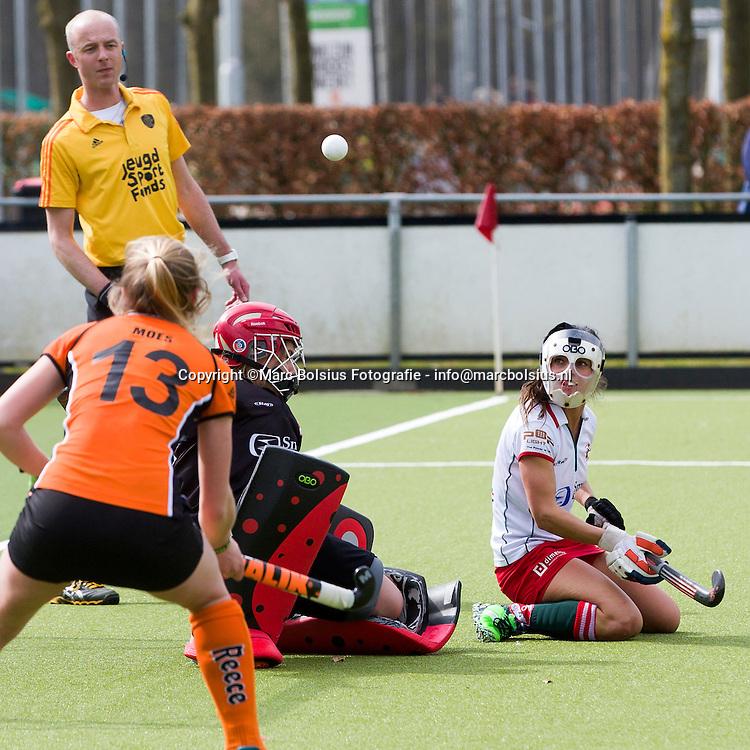 Nederland,  Vught, dames hockeywedstrijd tussen Mop en Oranje Zwart met de poolse Rybacha die volgend seizoen debuteert bij de dames van Den Bosch