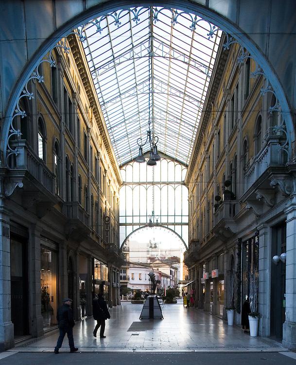 Mestre (Venezia) - La Galleria Toniolo