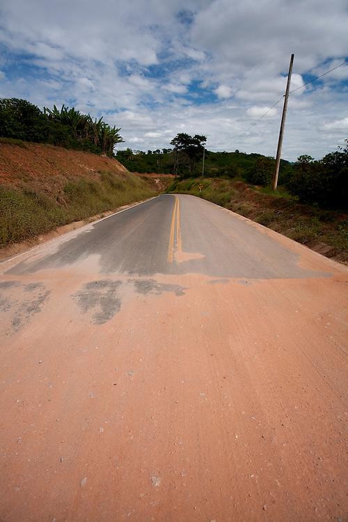 Botelhos_MG, Brasil...Rodovia em Botelhos...The highway in Botelhos...Foto: LEO DRUMOND / NITRO