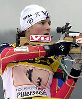 Skiskyting, 12. desember 2003, Ann Kristin Flatland (NOR)  Norge Biathlon Norwegen<br /> Weltcup Hochfilzen
