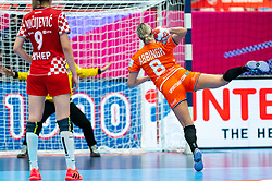 Lois Abbingh of Netherlands in action during the Women's EHF Euro 2020 match between Croatia and Netherlands at Sydbank Arena on december 06, 2020 in Kolding, Denmark (Photo by RHF Agency/Ronald Hoogendoorn)