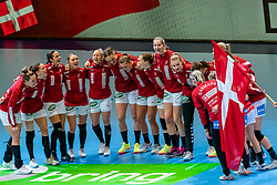 Team Denmark before the Women's EHF Euro 2020 match between Denmark and Sweden at Jyske Bank BOXEN on december 11, 2020 in Kolding, Denmark (Photo by RHF Agency/Ronald Hoogendoorn)