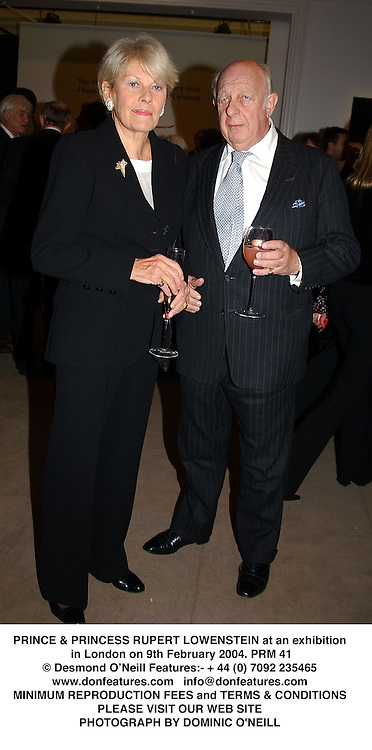 PRINCE & PRINCESS RUPERT LOWENSTEIN at an exhibition in London on 9th February 2004.PRM 41