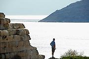 Griekenland, Sounion, 5-7-2008Avond bij kaap Sounion, een van de bekendste zonsondergangen bij de tempel van Poseidon, de god van de zee in de Griekse klassieke oudheid.Foto: Flip Franssen