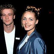 Uitreiking Populariteitsprijs 1998, Miss Nederland 1998 Nerena Ruinemans en haar vriend