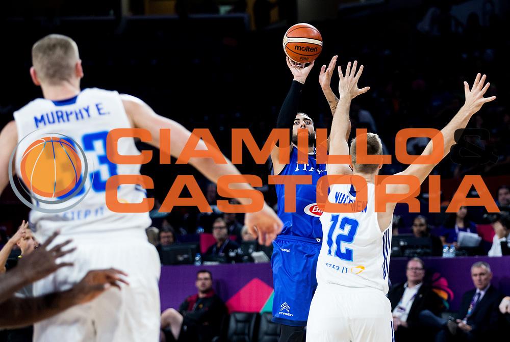 Pietro Aradori<br /> Nazionale Italiana Maschile Senior<br /> Eurobasket 2017 - Final Phase - Round of 16<br /> Finlandia Italia Finland Italy<br /> FIP 2017<br /> Istanbul, 09/09/2017<br /> Foto GiulioCiamillo / Ciamillo - Castoria